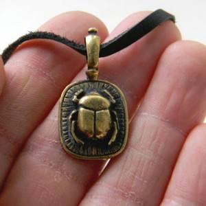 Скарабей символ