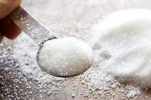 К чему просыпаешь сахар