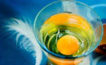 Как выкатывать порчу яйцом