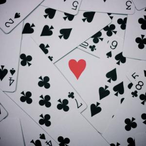 Гадание на игральных картах на имя любимого